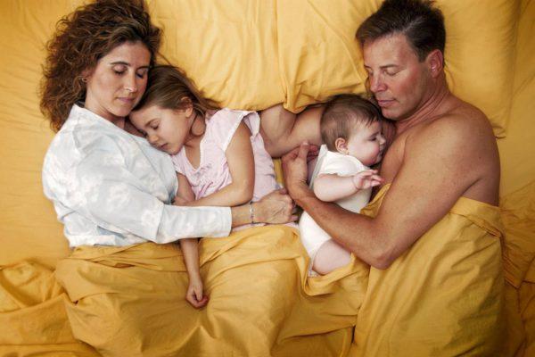 chto-nelzja-delat-roditeljam