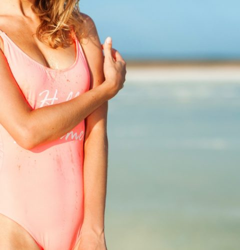 Некрасивые формы - не приговор: кому рекомендуется сделать пластику груди
